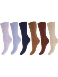 Universal Textiles two needle  socks